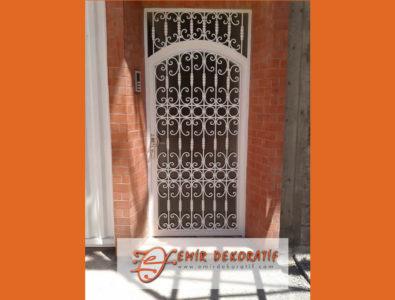 ferforje daire kapısı