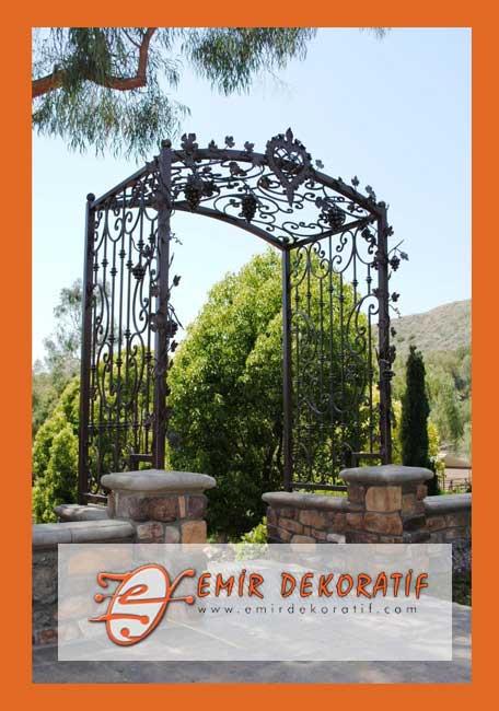 Ferforje Özel Tasarım Bahçe Kapısı Korkuluğu