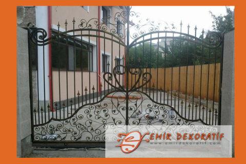 Ferforje Klasik Graj Kapısı