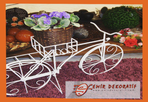 Ferforje sepetli bisiklet