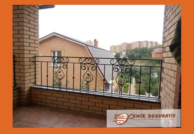 Ferforje balkon korkulukları8