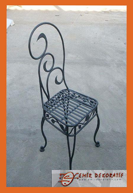 Ferforje tasarım sandalye