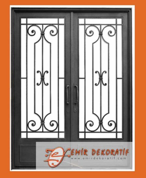 Motifli Demir Kapıları